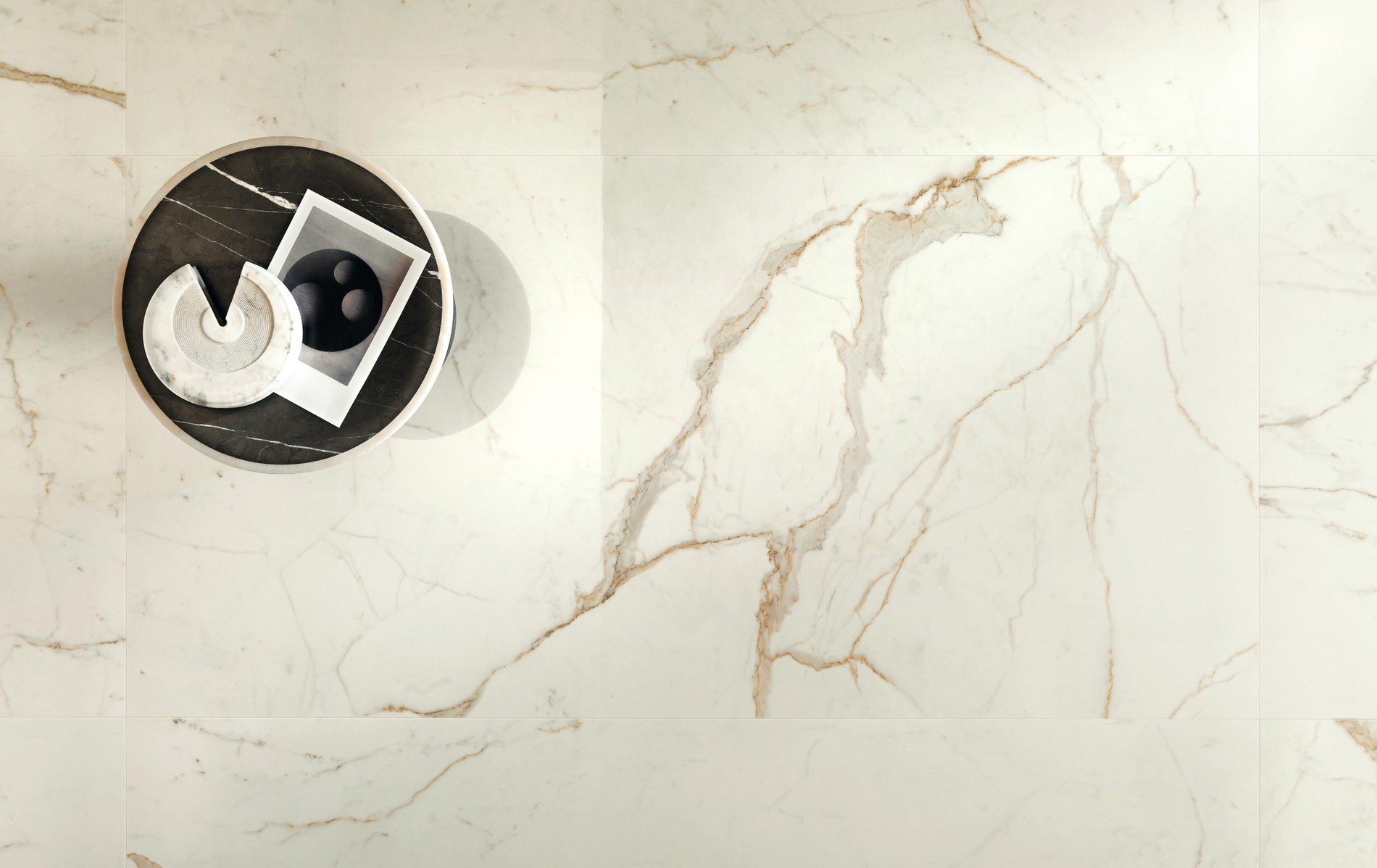 Marble look wall tiles and porcelain tiles