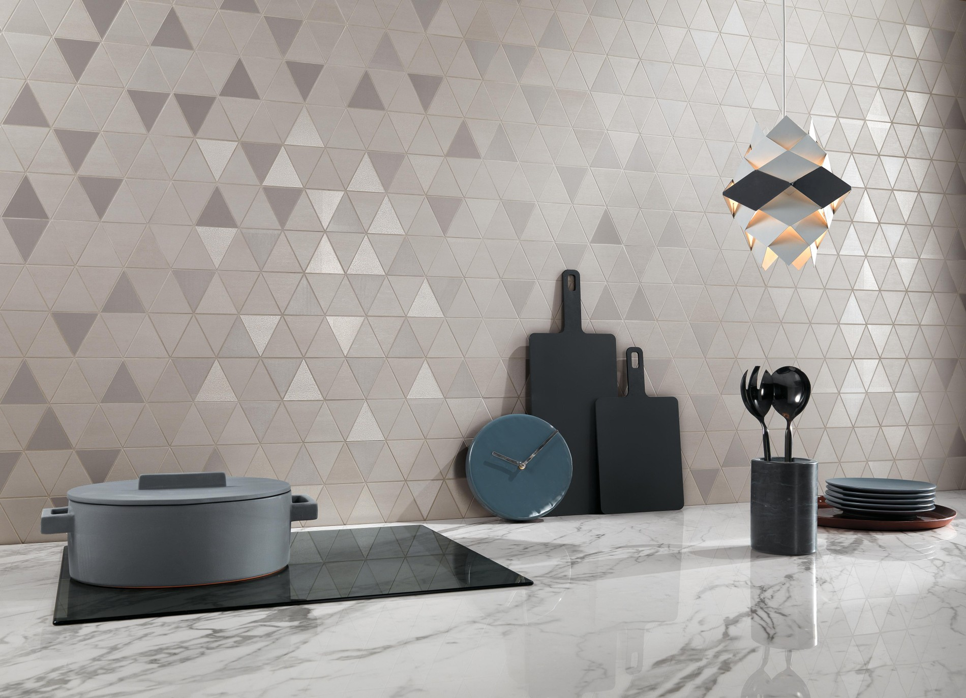 Metal-look porcelain floor and wall tiles