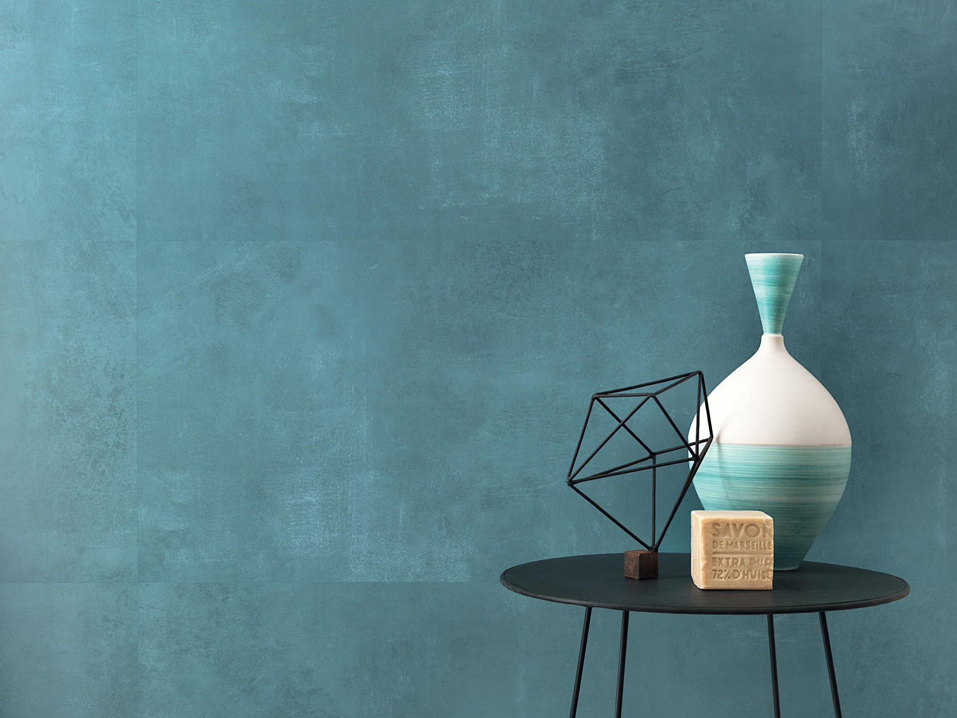 Splendid colours for ceramic surfaces