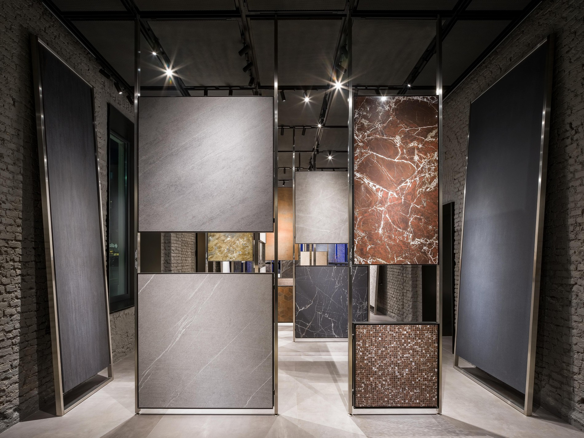 Altas Concorde's Milan showroom, in the words of its leading actors