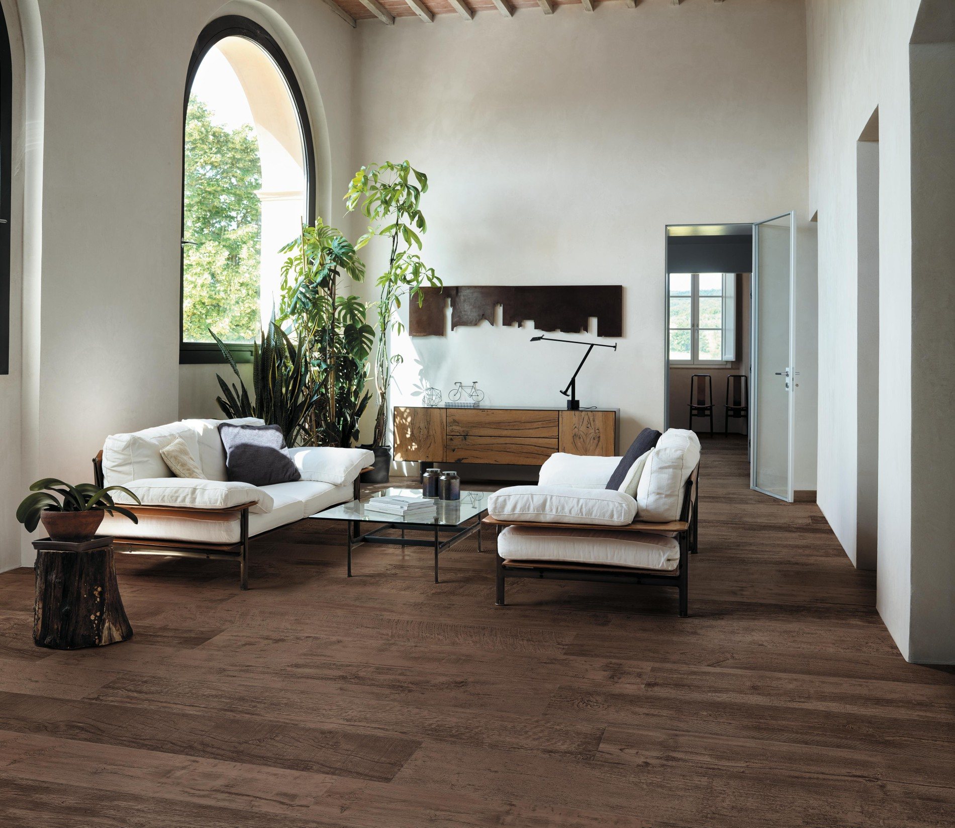 Wood-look porcelain tiles