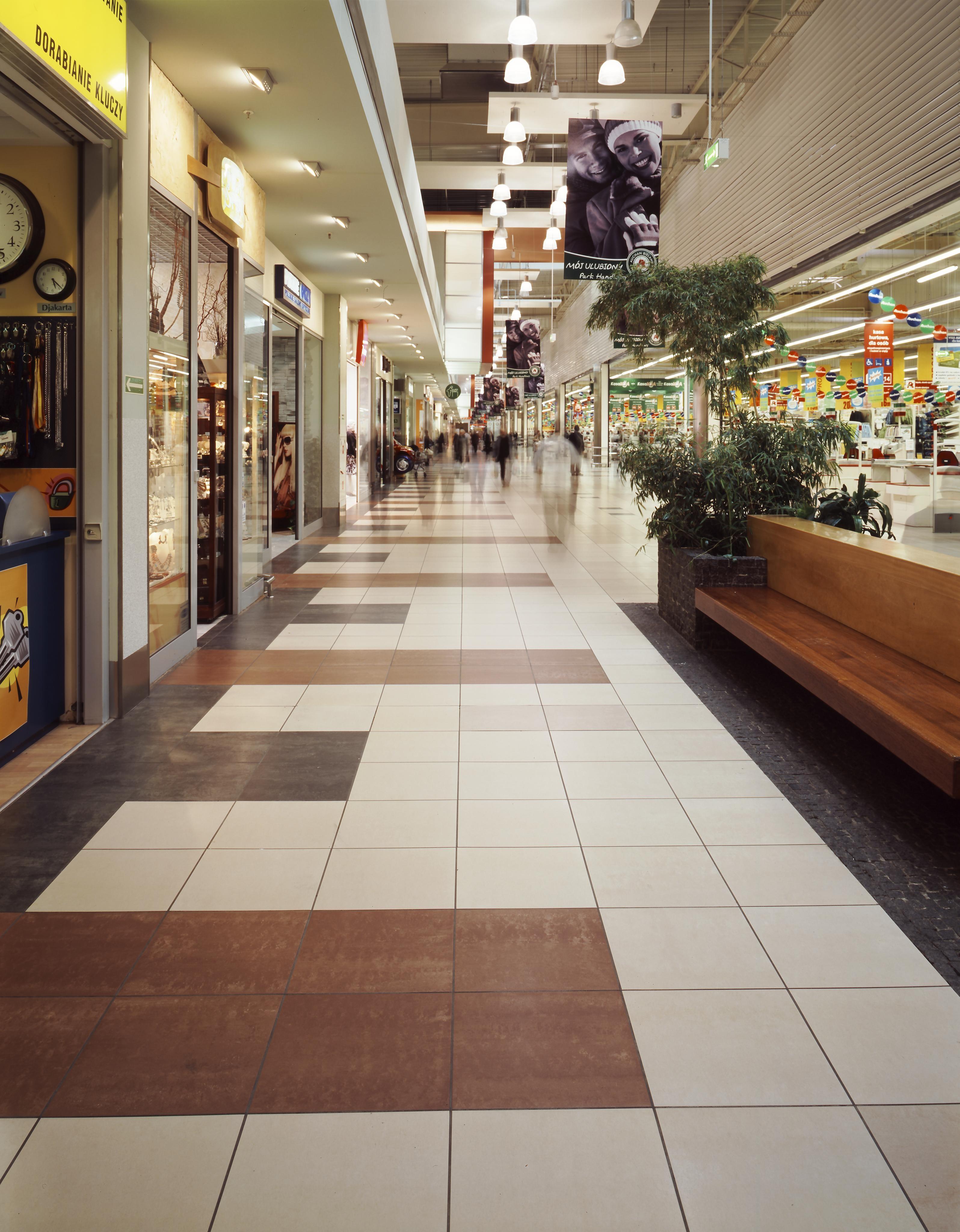 AtlasConcorde Auchan Polonia 002