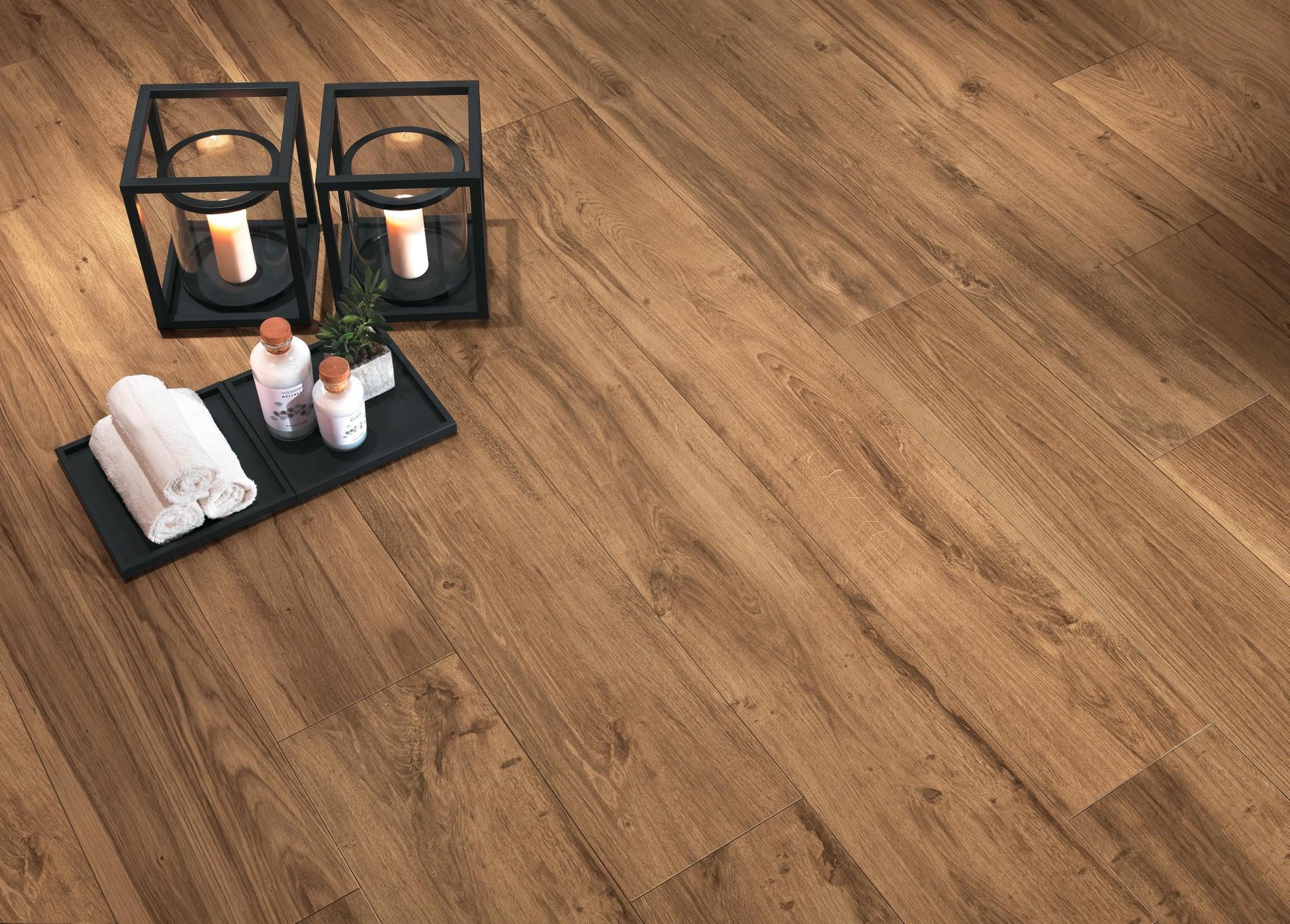 Wood-look porcelain tiles